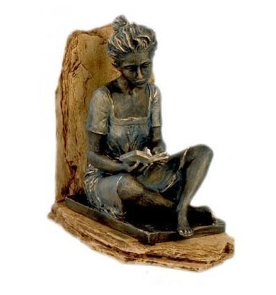 Escultura apoyalibros LECTORA SENTADA