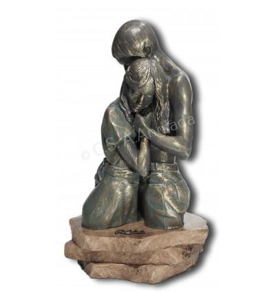 Realistic couple sculpture Embracement bust