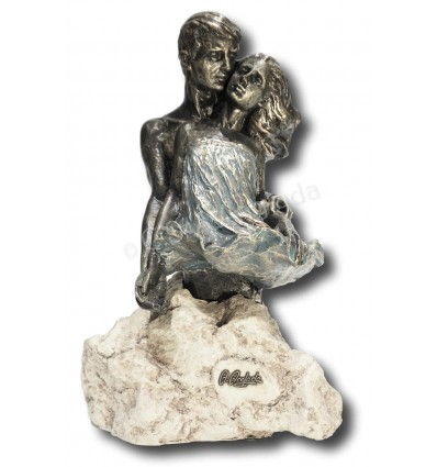 Realistic couple sculpture Harmony by Spanish artist