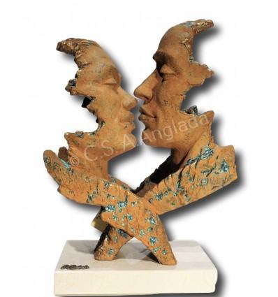 Moderna escultura de pareja Deseo de Ángeles Anglada