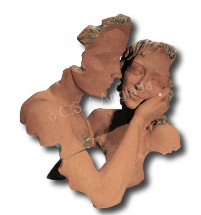 Escultura moderna de pareja Innocencia