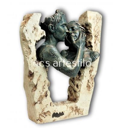 Escultura moderna de pareja ADORACIÓN