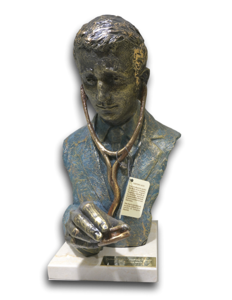 Realistic sculpture DOCTOR with marble base by spanish artist Angeles Anglada_2