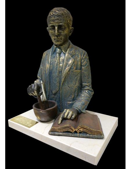Escultura realista de profesión Quimico, Farmaceutico con base de marmol_2